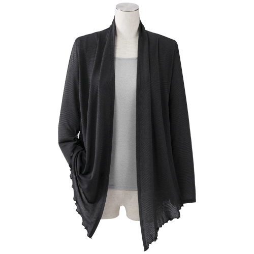 เสื้อคลุมตกแต่งขอบ เนื้อผ้าบางแต่ให้ความอบอุ่นป้องกันร่างกายจากความหนาวเย็นได้