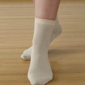 ถุงเท้าแบบบาง สีเบจ