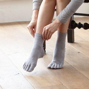 ถุงเท้าแบบมีนิ้ว ให้ความอบอุ่นและไม่อับชื้น