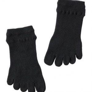 ถุงเท้าข้อสั้นแบบมีนิ้ว