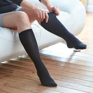 ถุงเท้าแบบยาว สีดำ